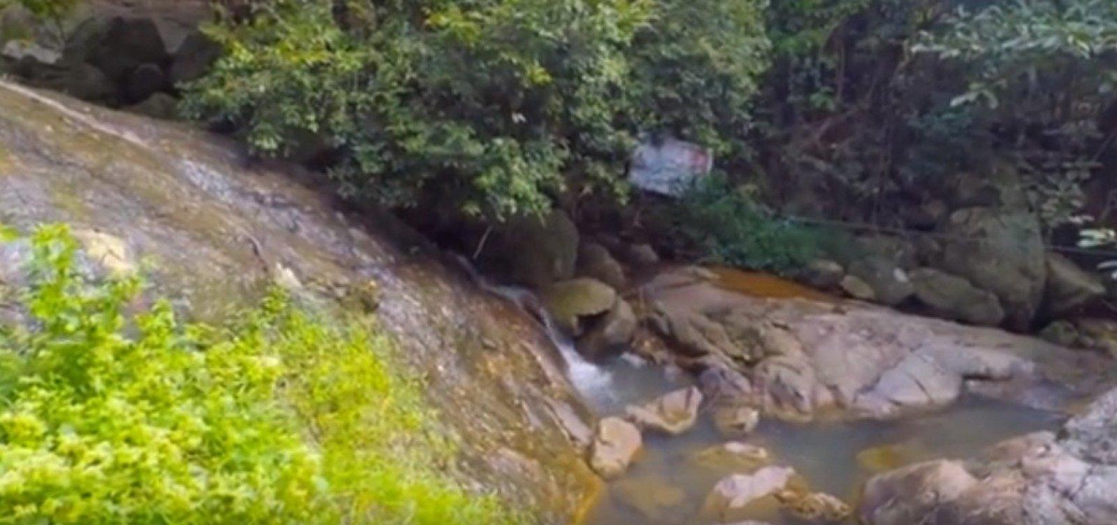 [Turista francês morre ao fazer selfie em cascata na Tailândia]