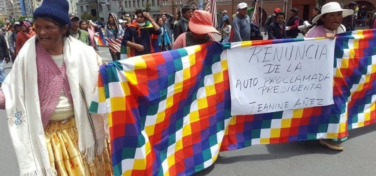 [Cinco pessoas morrem em confronto entre policiais e manifestantes na Bolívia]