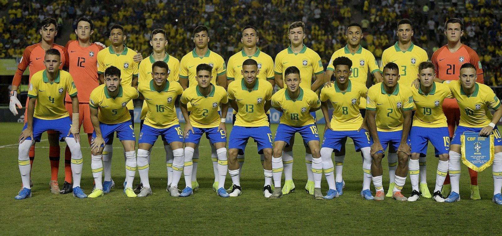 [De virada, Brasil vence o México e é campeão mundial Sub-17]