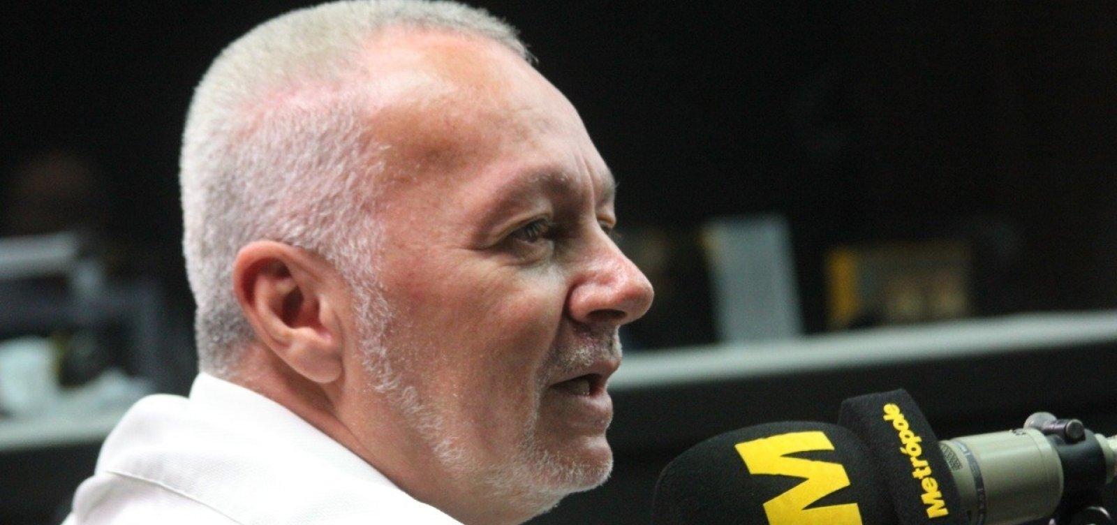 [Bobô lamenta declínio do Bahia: 'Se não fosse o 1º turno, brigaríamos para não cair']
