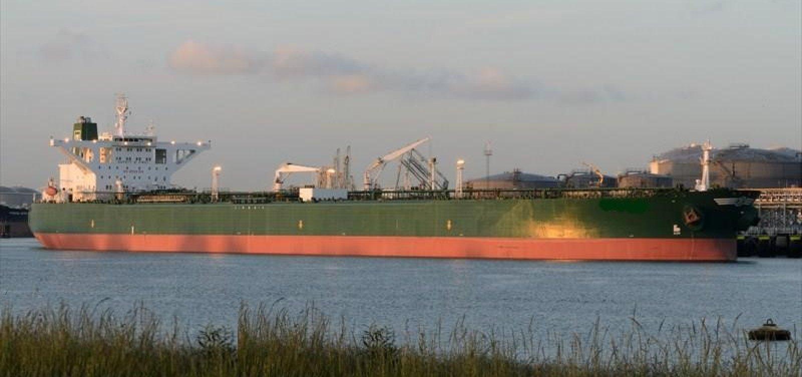 [Voyager I, novo navio suspeito de derramar óleo, aproxima-se do Brasil]