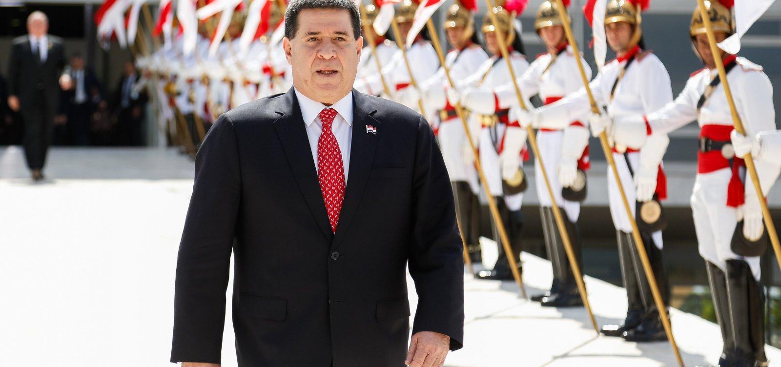 [Ex-presidente do Paraguai Horacio Cartes é alvo de mandado de prisão]