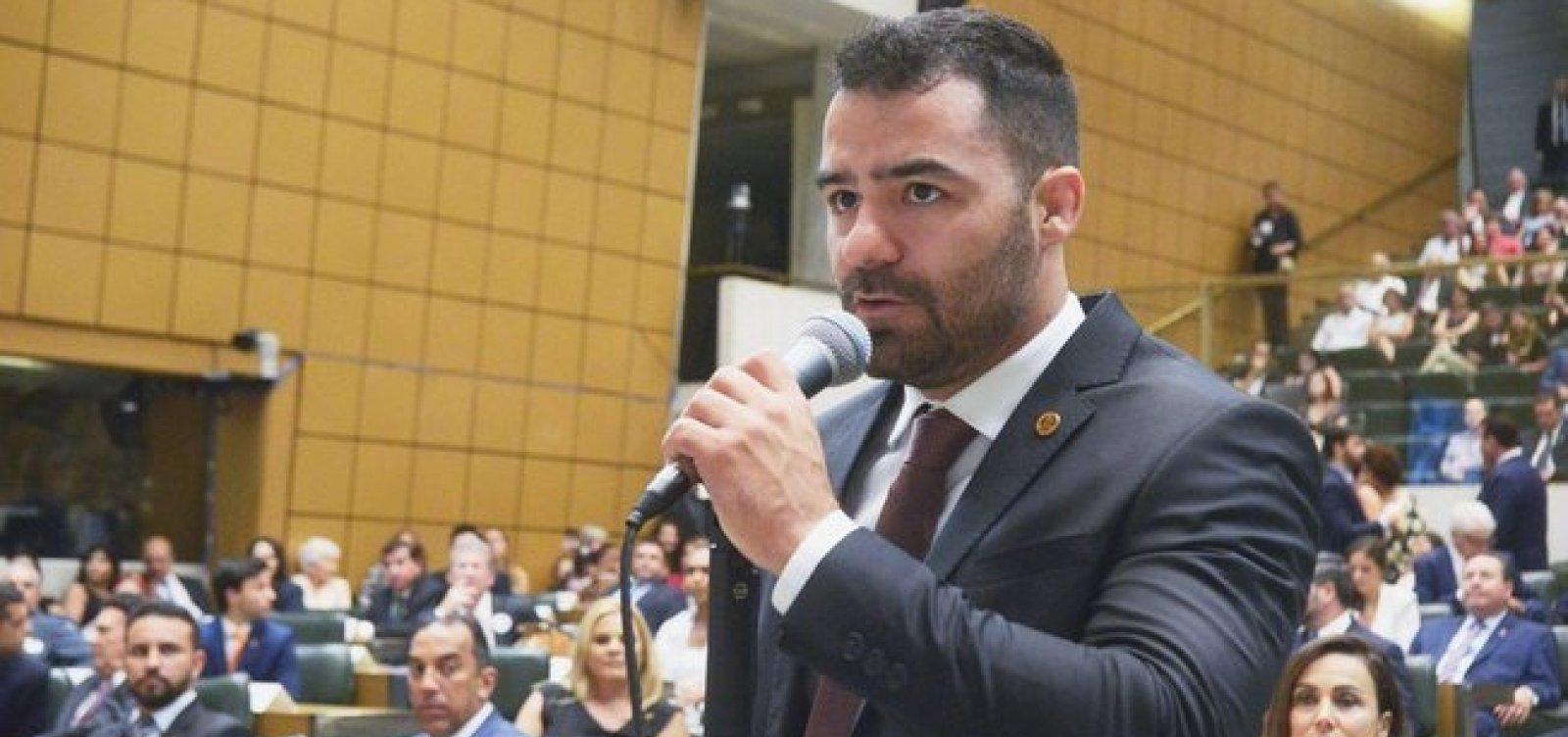 [DEM expulsa Arthur Mamãe Falei, pré-candidato do MBL à Prefeitura de São Paulo]