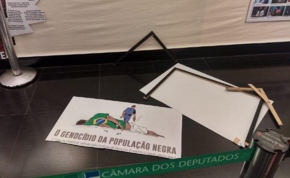 [Deputado do PSL destrói quadro de exposição contra genocídio negro; veja vídeo]