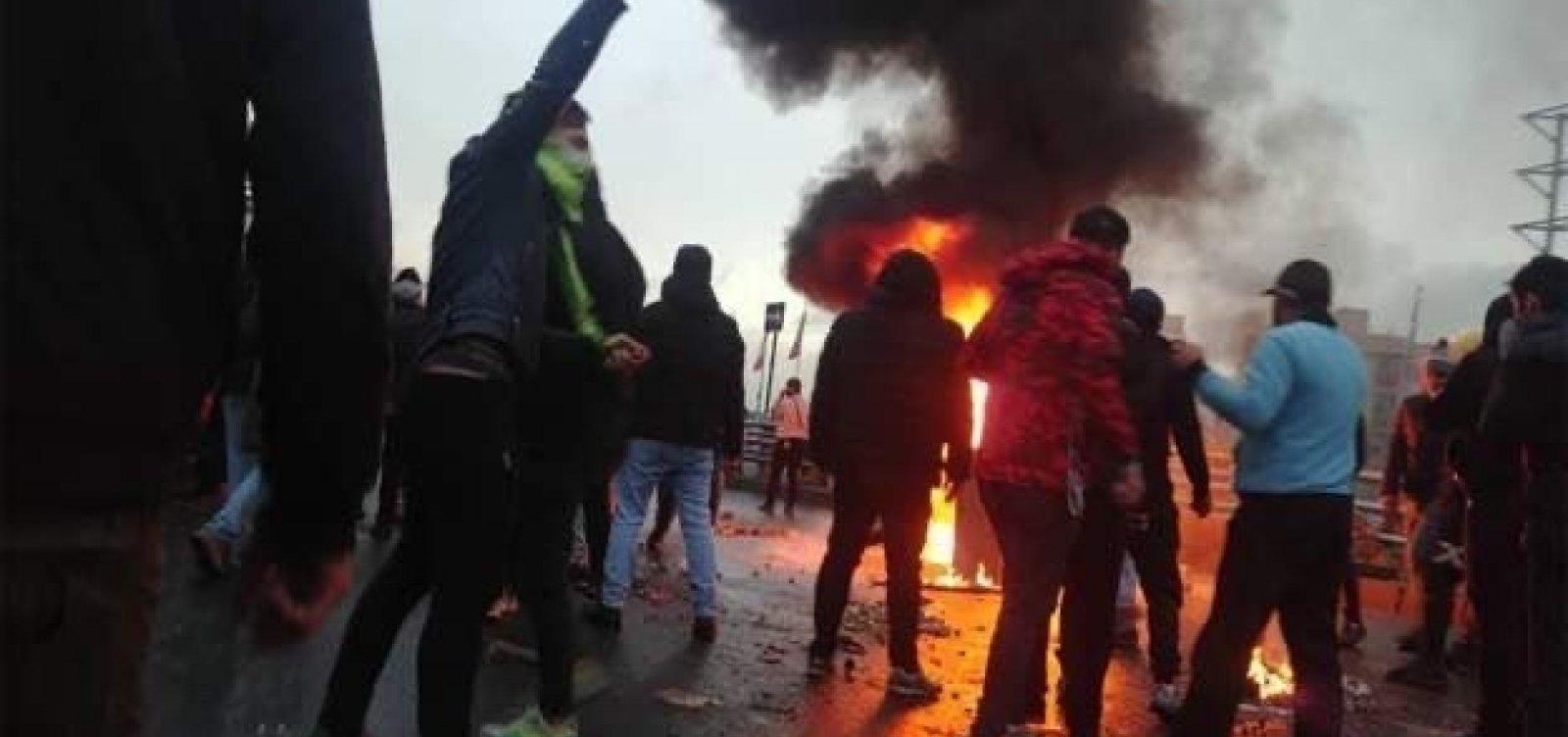 [Mais de 100 pessoas morreram em confrontos no Irã, segundo Anistia Internacional]