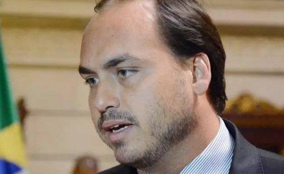 [Polícia trabalha com tese de participação de Carlos Bolsonaro na morte de Marielle, diz colunista]