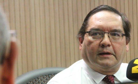 ['É um risco muito grande', diz professor Raimundo Paraná sobre 'fake news' de vacinação]