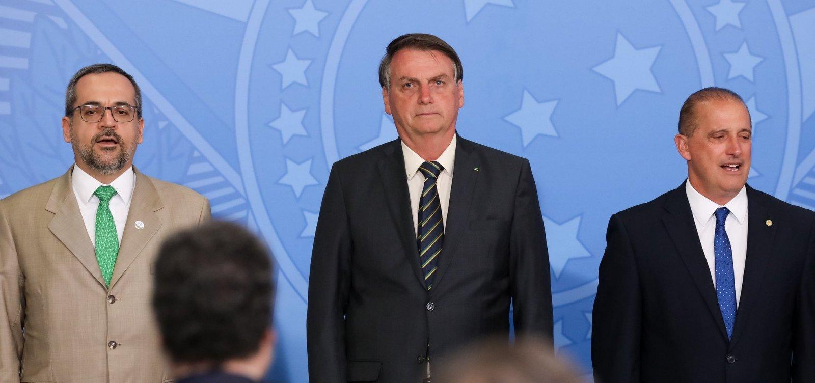 [Bolsonaro nega troca de ministros e elogia educação e economia]