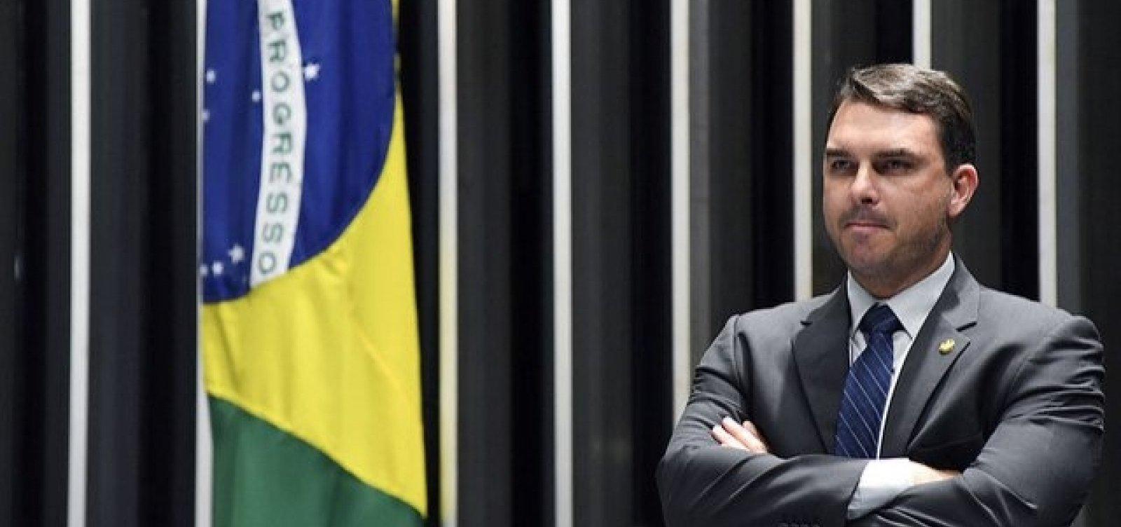 [MP-RJ abre novo inquérito para apurar funcionários 'fantasmas' de Flávio Bolsonaro ]