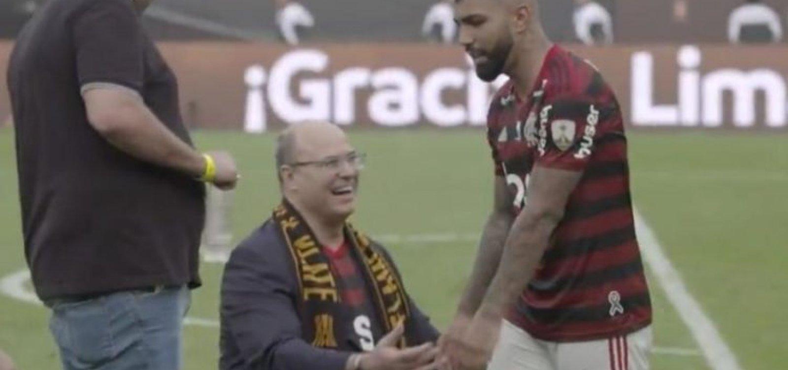 [Vídeo: Gabigol ignora Witzel na celebração do título do Flamengo]