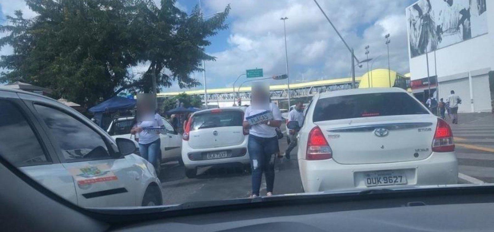 [Placa Mercosul: segurança falha gera clonagens e venda no meio da rua em Salvador]