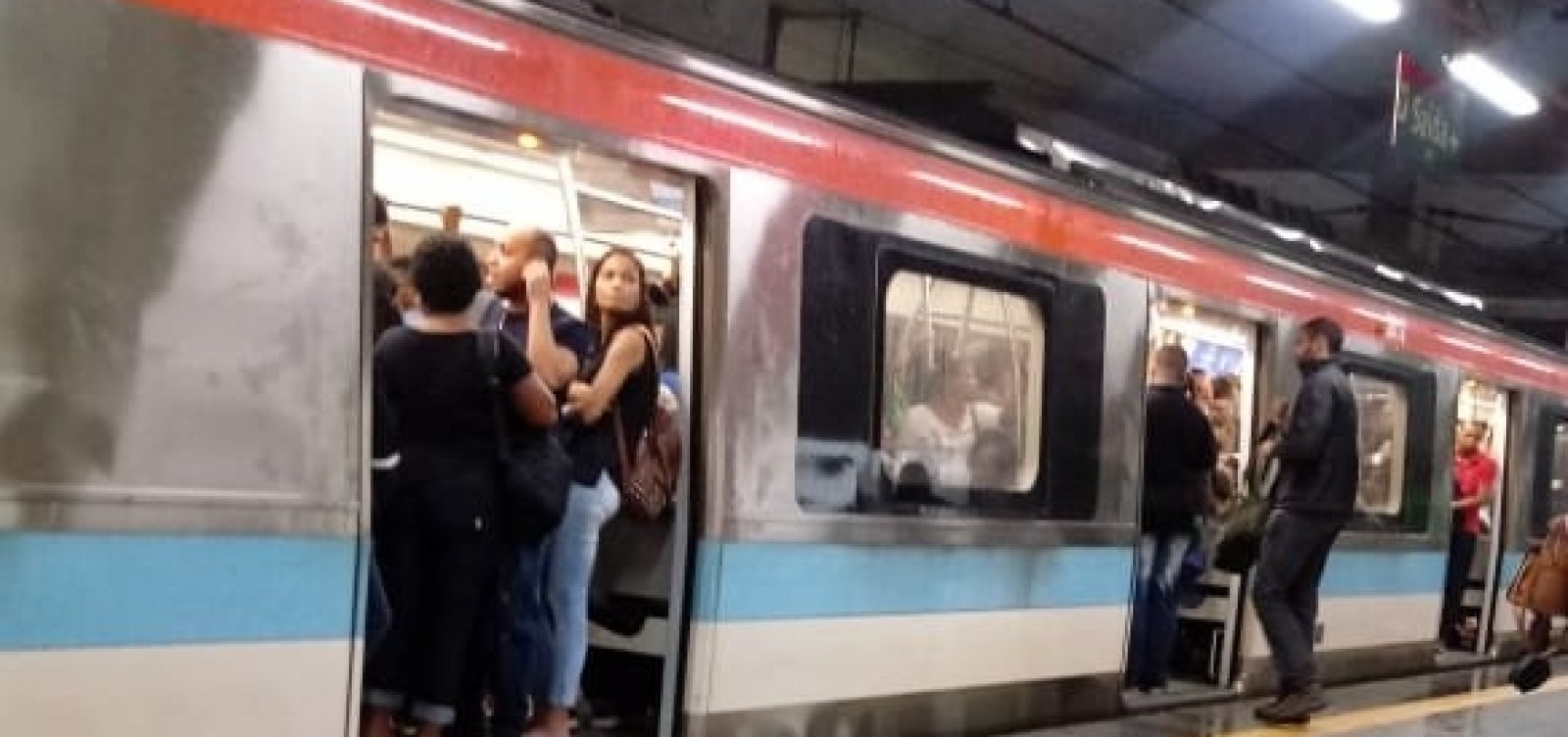 [Trecho da linha 2 do metrô volta a operar após suspensão por conta das chuvas]