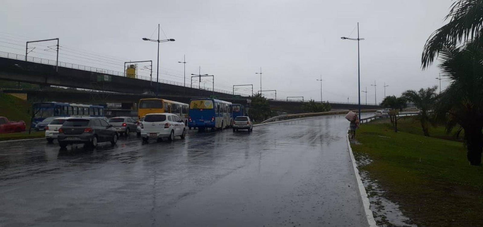[APLB orienta suspensão de atividades escolares em Salvador após chuvas]