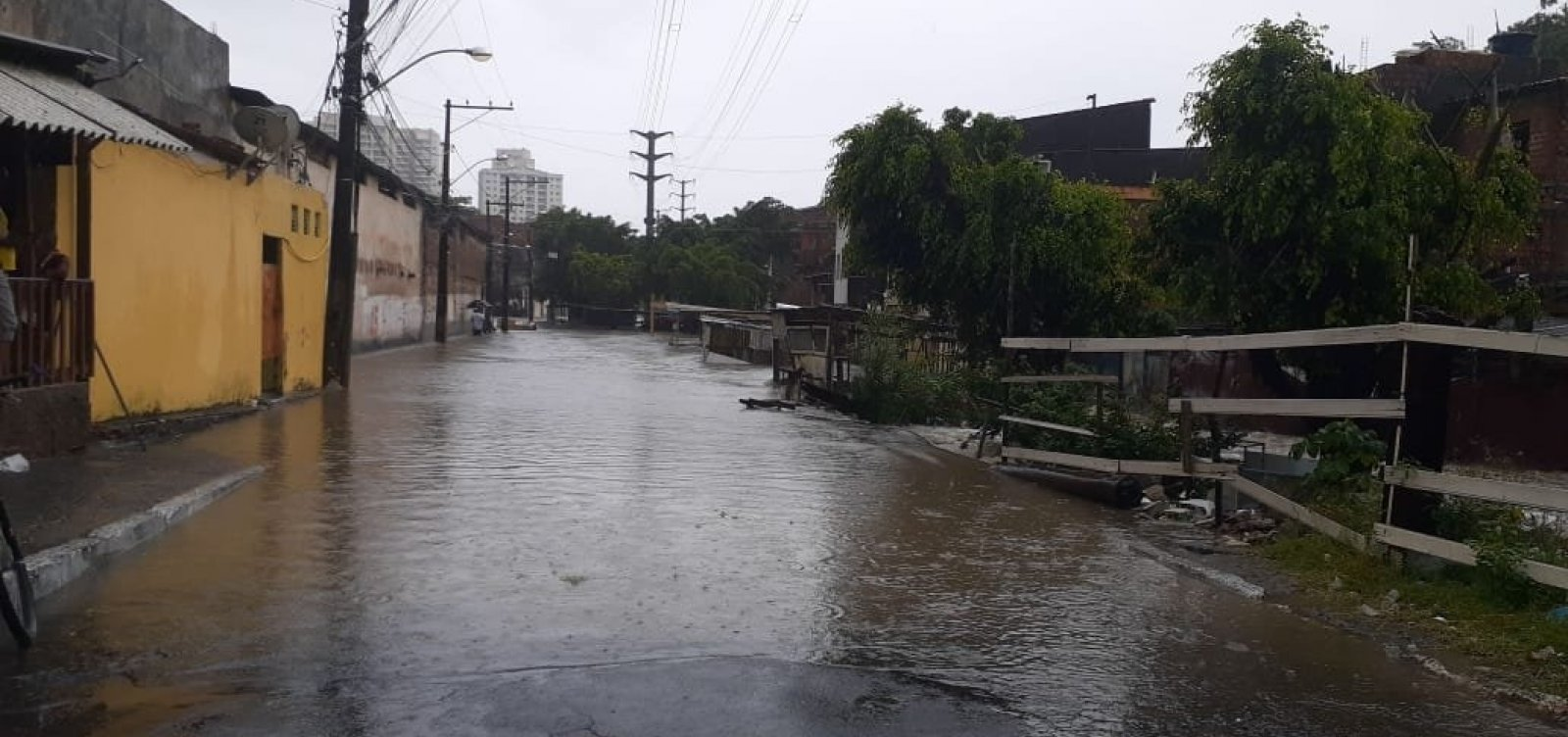 ['Temos perspectiva de redução de chuvas', diz diretor da Defesa Civil]