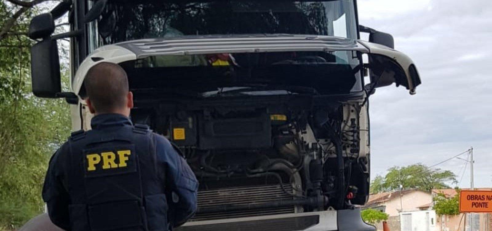 [Motorista é detido e caminhão furtado é recuperado pela PRF em Paulo Afonso]
