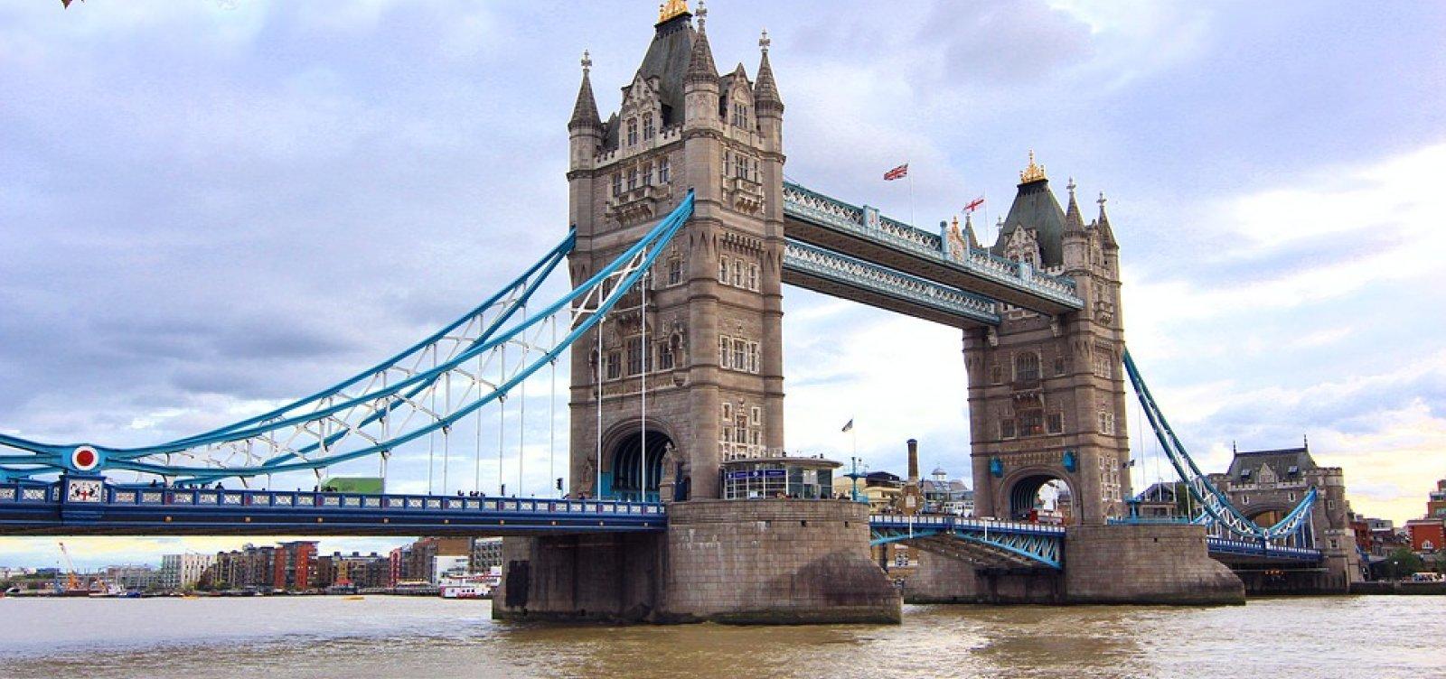 [Ataque terrorista na Ponte de Londres deixa um morto e dez feridos]