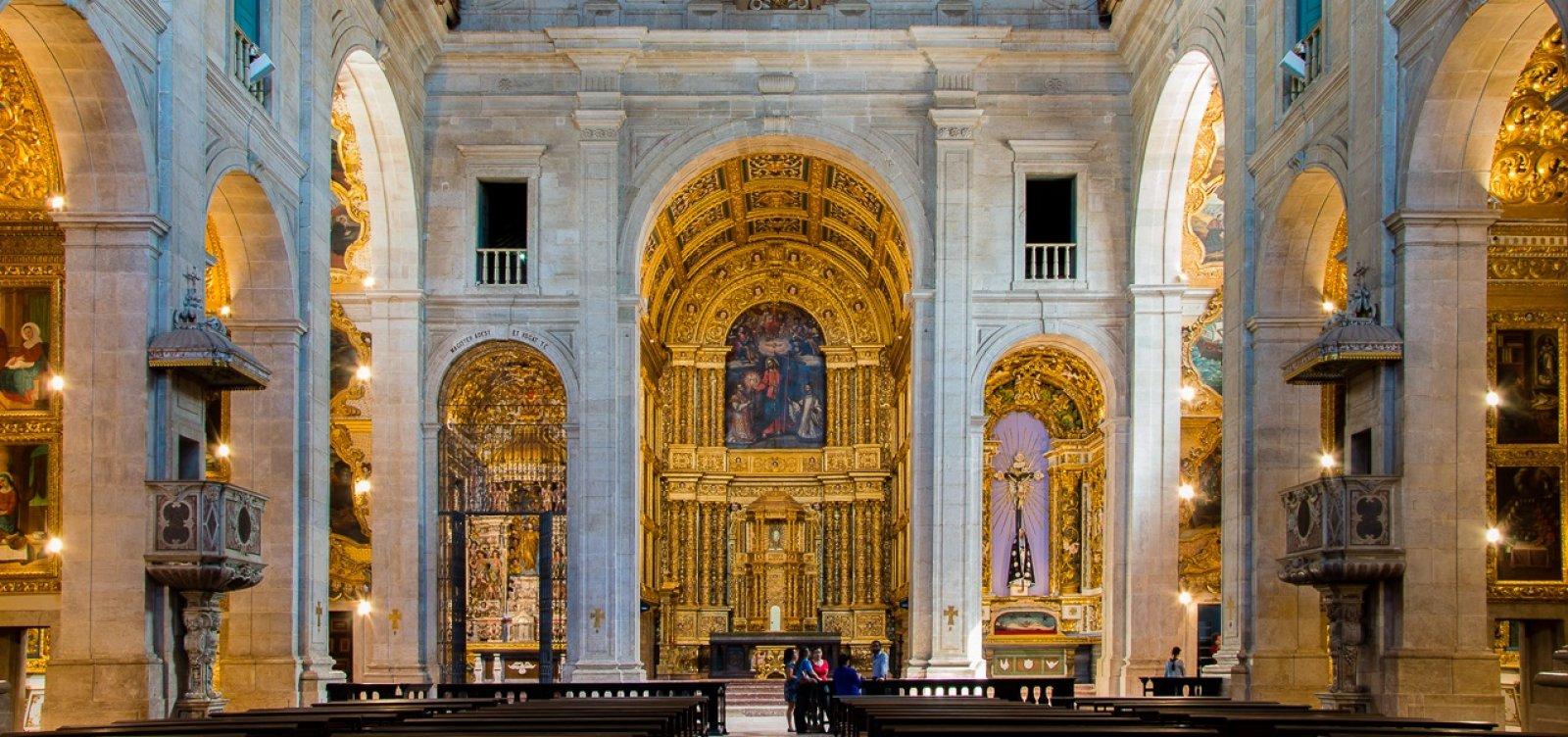 [Catedral Basílica ganha altar definitivo após 55 anos com relíquia de Santa Dulce]