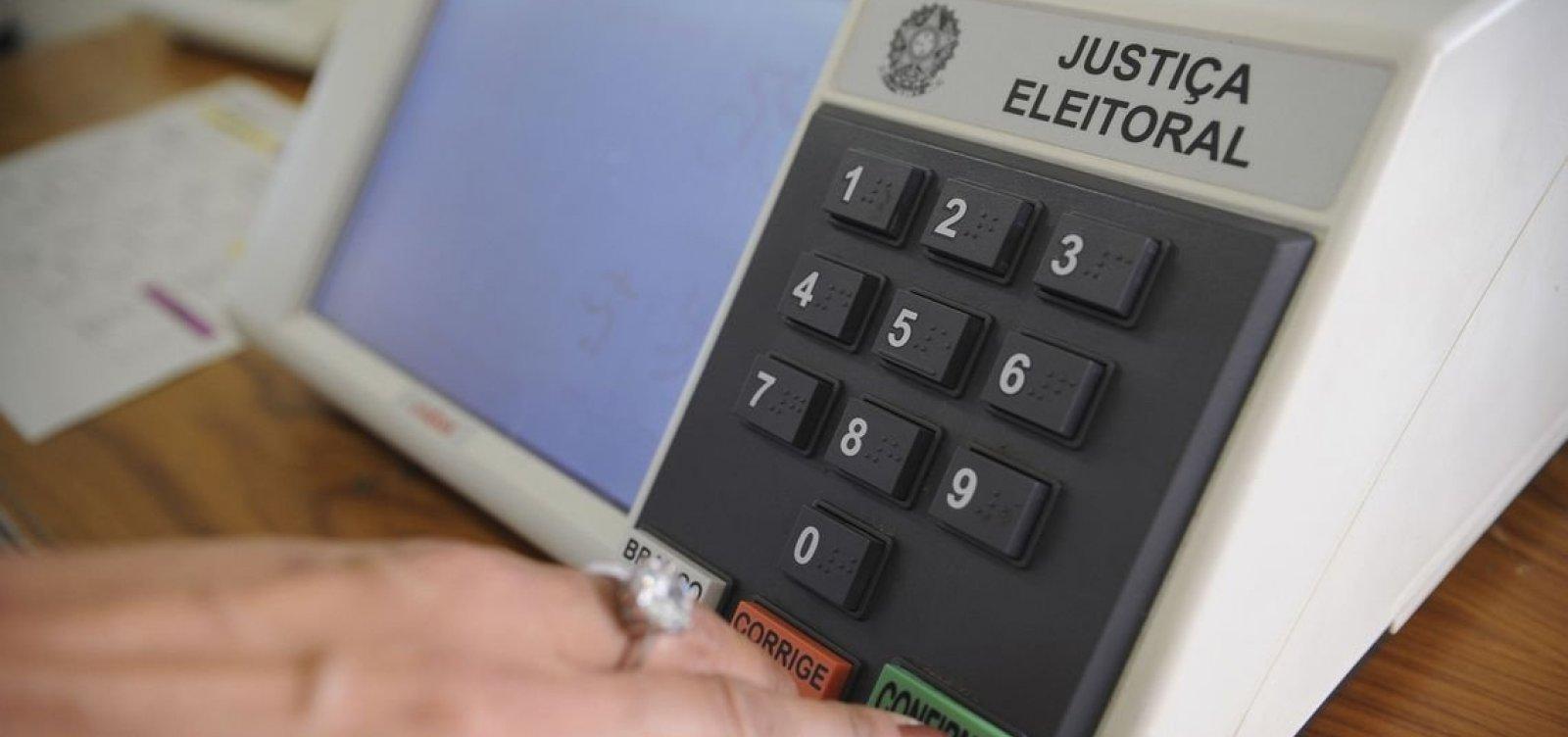 [Testes em urnas eletrônicas encontram falhas mínimas, diz TSE]
