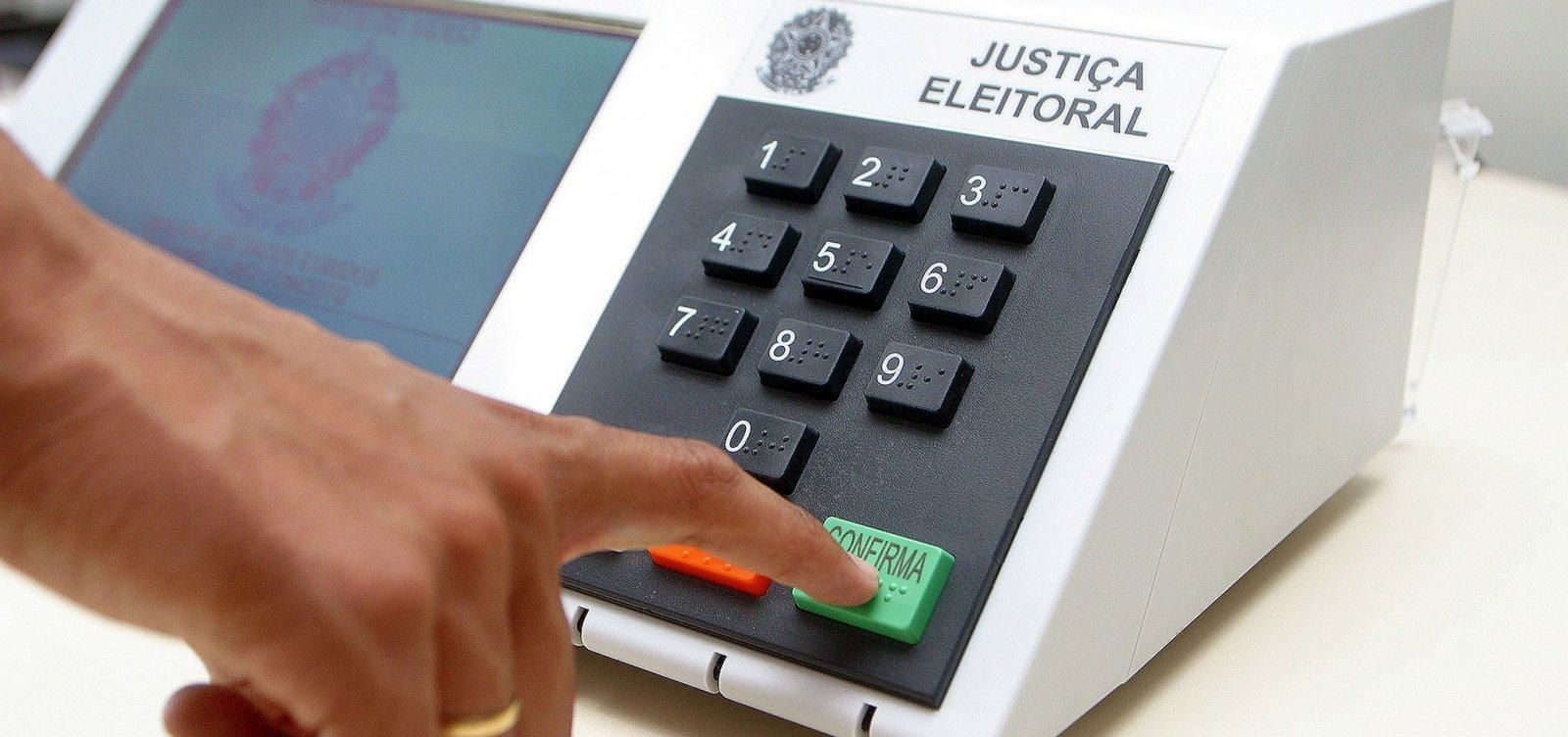 [Eleitores de oito municípios voltam às urnas neste domingo]