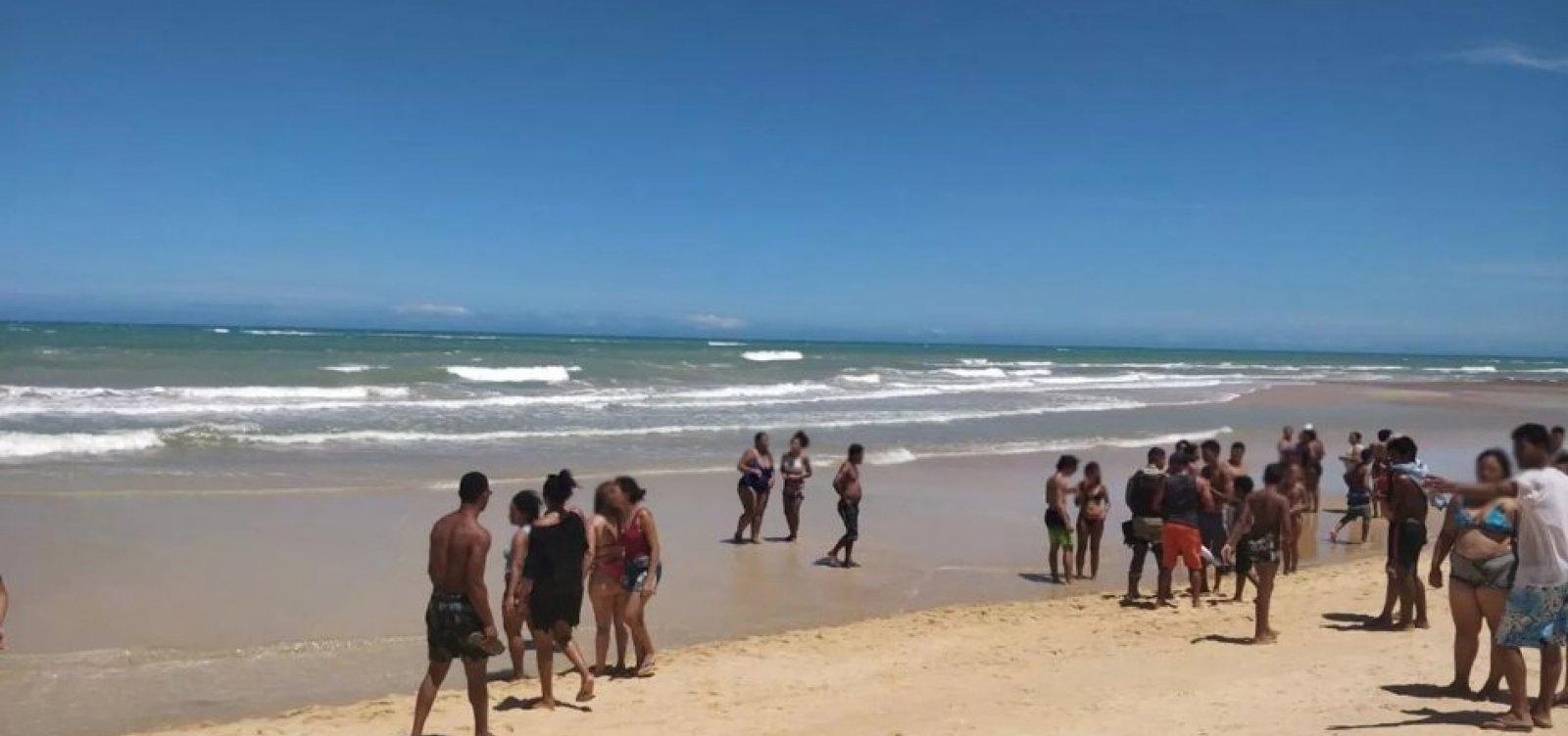 [Turista de São Paulo morre após se afogar em praia de Trancoso]