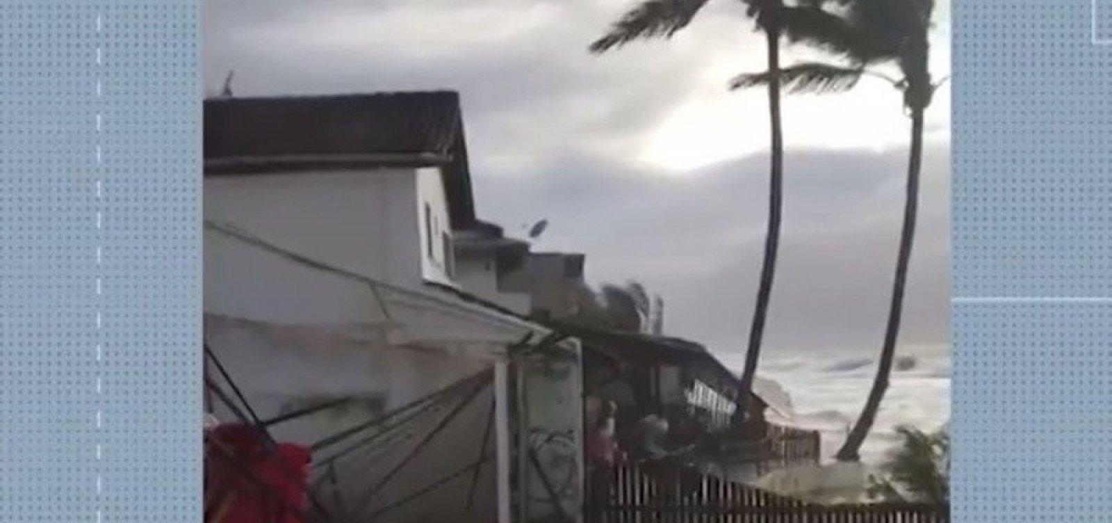[Marinha emite alerta de ressaca com previsão de ondas de até 3,5 m no sul da Bahia]