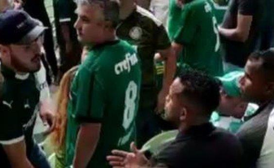 [Ex-jogador baiano é expulso de estádio durante jogo do Palmeiras: 'Situação constrangedora'; vídeo]