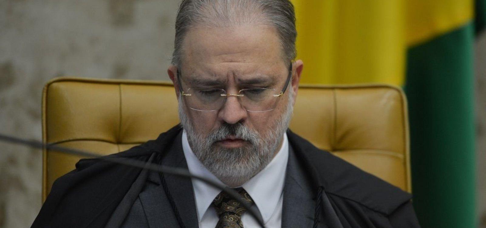 [Aras destitui procuradora crítica de Bolsonaro de conselho de direitos humanos e assume o cargo]