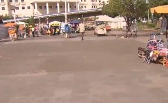[Obras BRT: ambulantes da praça em frente ao Shopping da Bahia são transferidos]