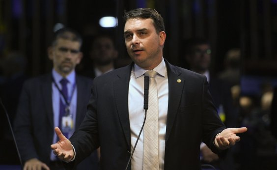 [Após 4 meses suspensa, investigação sobre Flávio Bolsonaro é retomada pelo MP-RJ]
