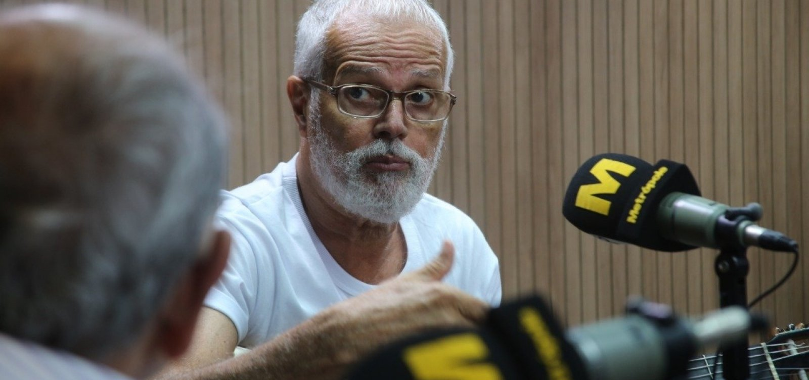 [Roberto Mendes lamenta ataque a igreja de Santo Amaro: 'Jogaram (óleo) na nossa alma']