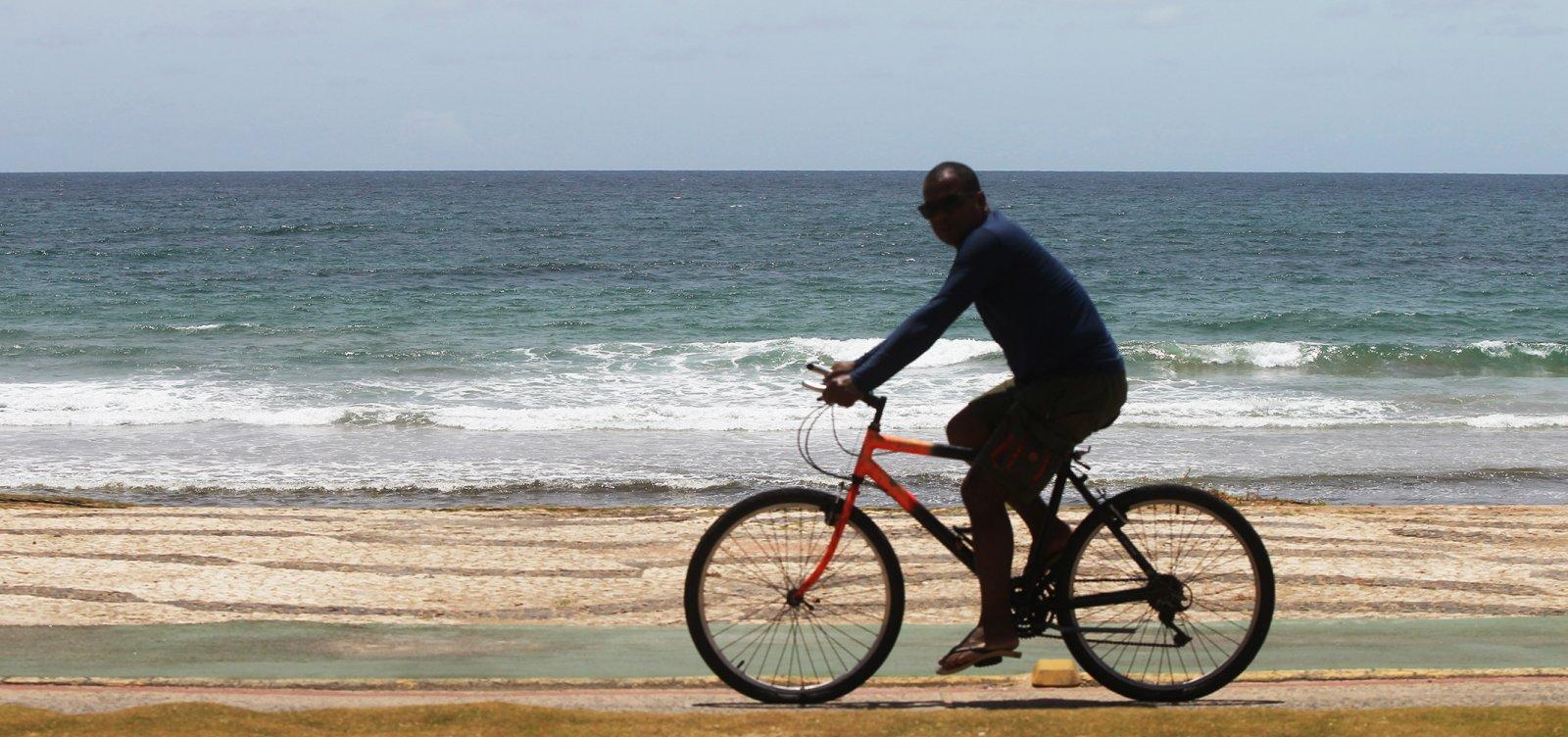 [Trechos das praias de Periperi e Rio Vermelho estão impróprios para banho; confira lista]