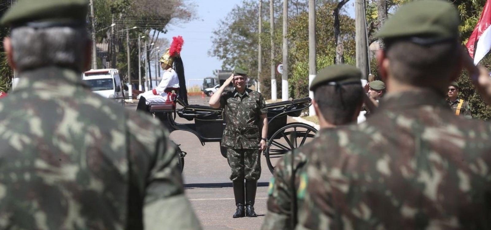 [Bolsonaro diz que governo honra militares e respeita o povo]