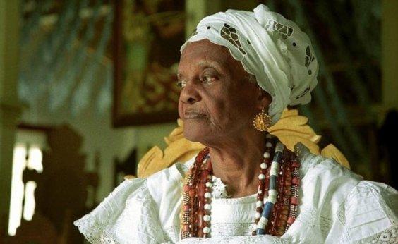 [Morre aos 96 anos Mãe Tatá de Oxum, ialorixá do Terreiro Casa Branca]
