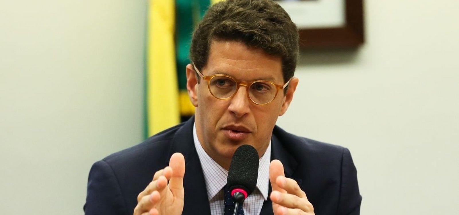 ['Brasil não pode parar desflorestação na Amazônia sem ajuda de países ricos', diz Salles]