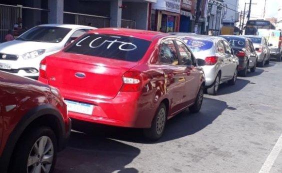 [Manifestantes fecham Joana Angélica por causa de morte de quatro motoristas do Uber]