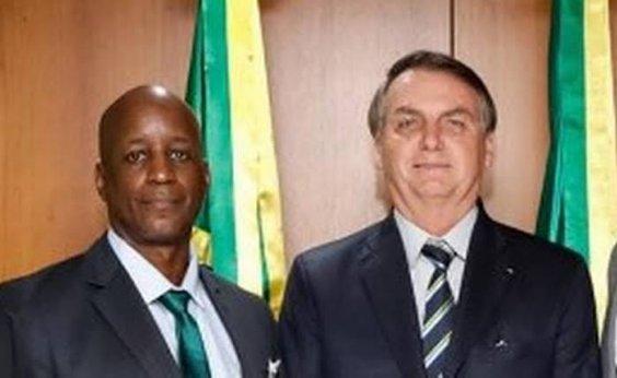 [Bolsonaro diz que vai reconduzir Camargo à Fundação quando recurso for acatado]