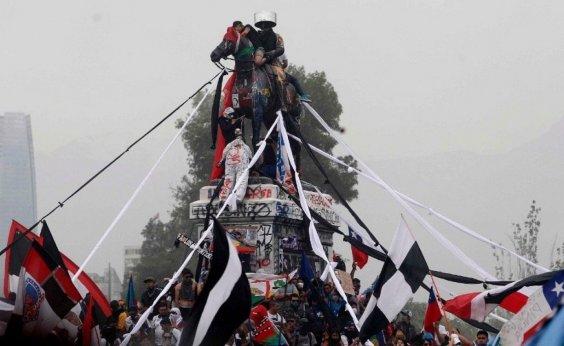 [Confrontos voltam às ruas no Chile após relatório da ONU]