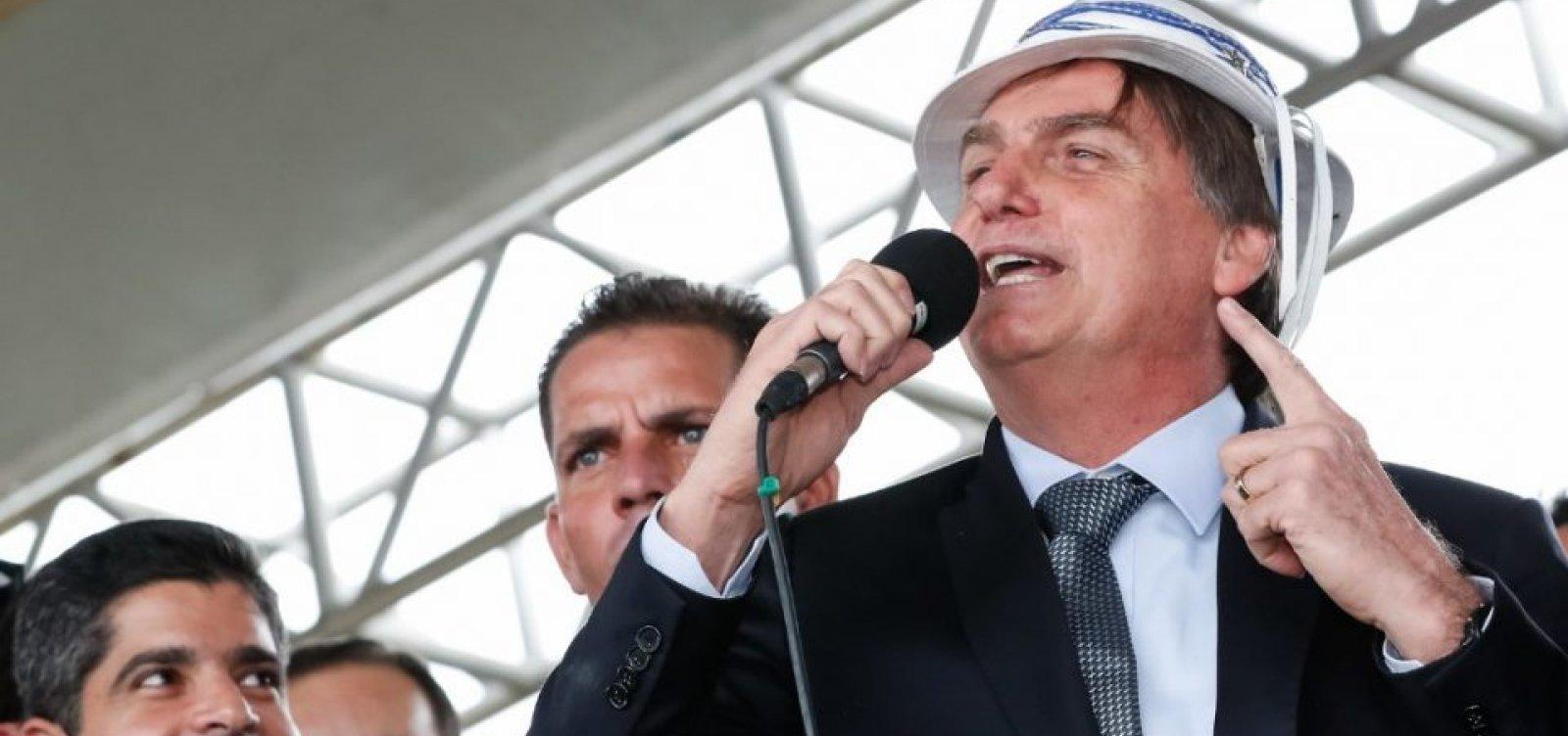 [Mesmo após acidente, Bolsonaro confirma viagem de réveillon para Bahia]