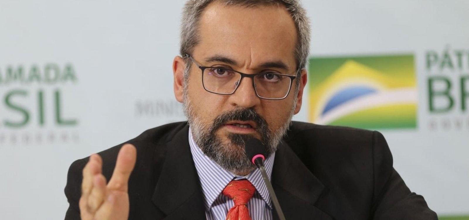 ['Evidentemente que foi um erro', diz Weintraub após mensagem sobre traição de Bolsonaro]
