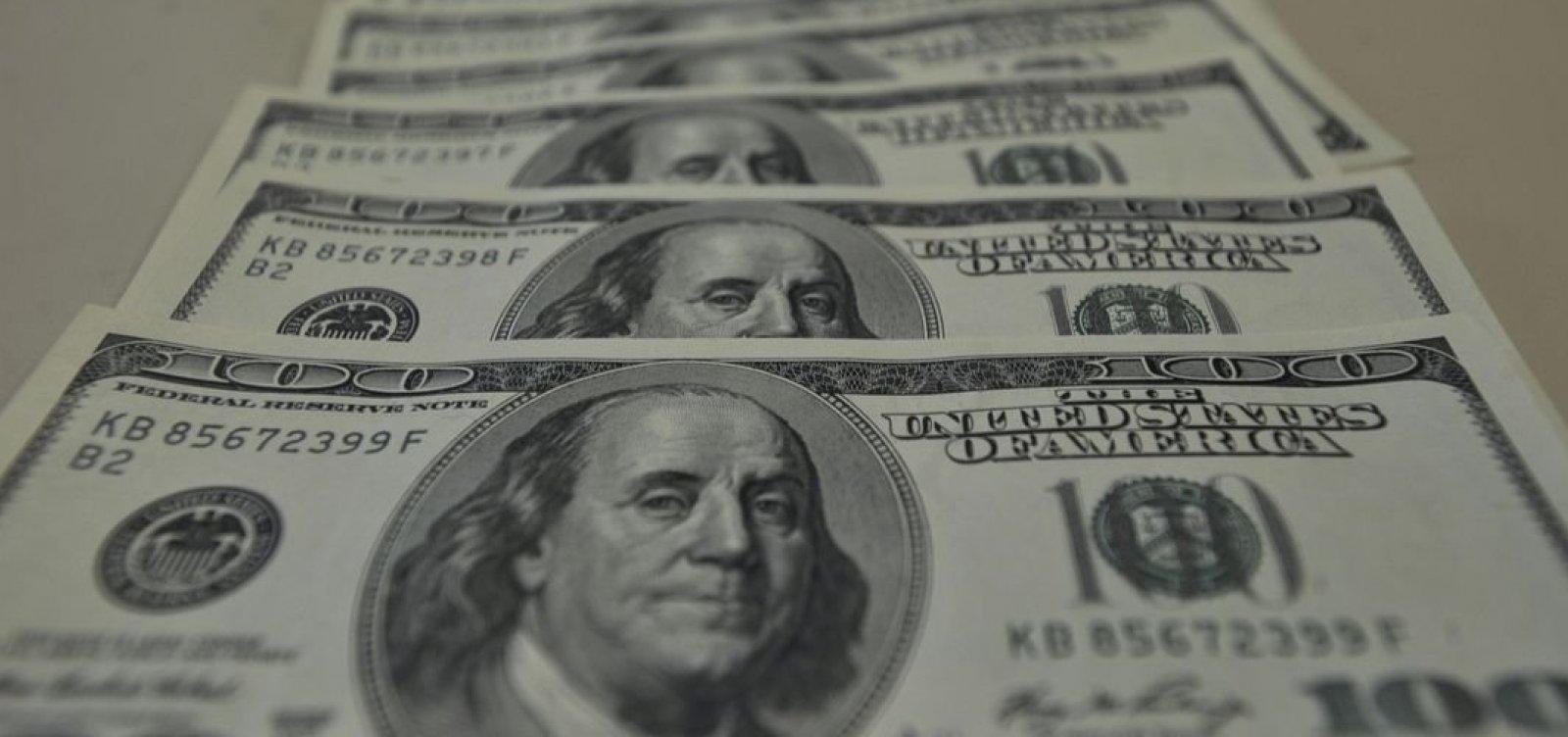[Com o clima de tensão entre EUA e Irã, dólar tem maior alta em duas semanas]