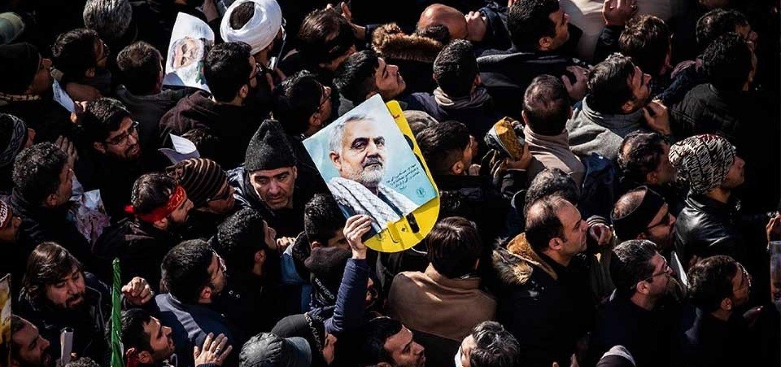 [Ao menos 32 pessoas morreram e 190 ficaram feridas durante tumulto no funeral de Qassem Soleimani]