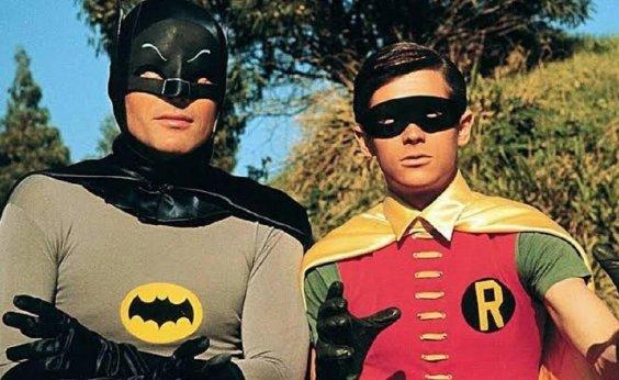 [Batman usava toalhas para dar volume na cueca, afirma Robin da série clássica]