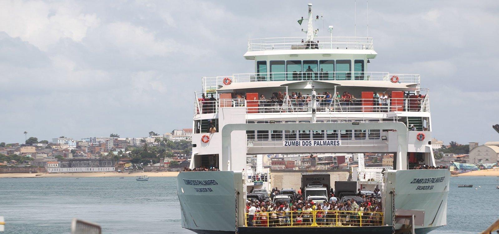 [Ferry: fila é de 2h de para veículos e 1h30 para pedestres na Ilha de Itaparica]