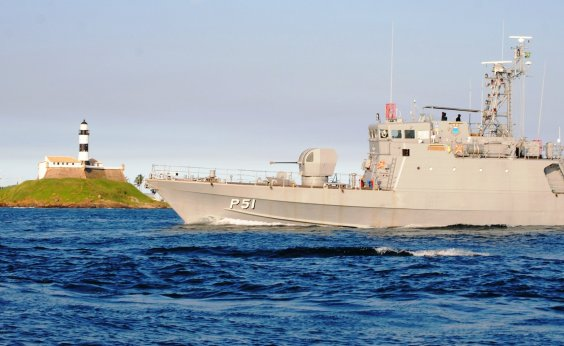 [Marinha alerta para ventos de até 87 km/h na Bahia durante ciclone]
