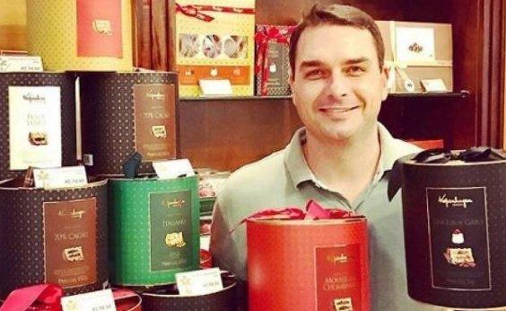 [Justiça interrompe investigação sobre sócio de Flávio Bolsonaro ]