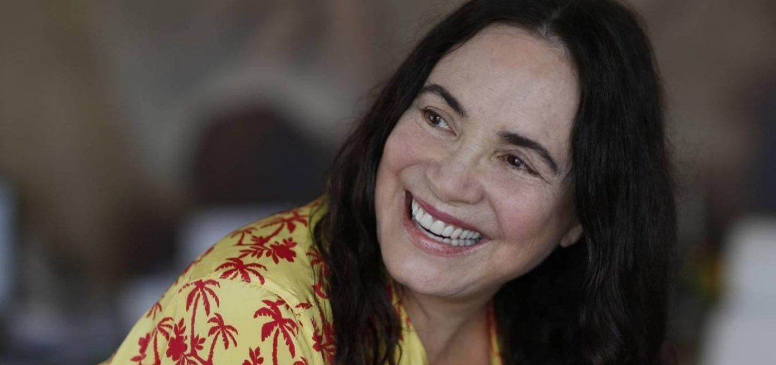 [Comunicado da Globo para Regina Duarte viraliza nas redes: 'Demitida ao vivo']