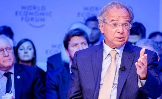 [Em reunião com CEOs em Davos, Guedes explica comentário sobre pobreza]