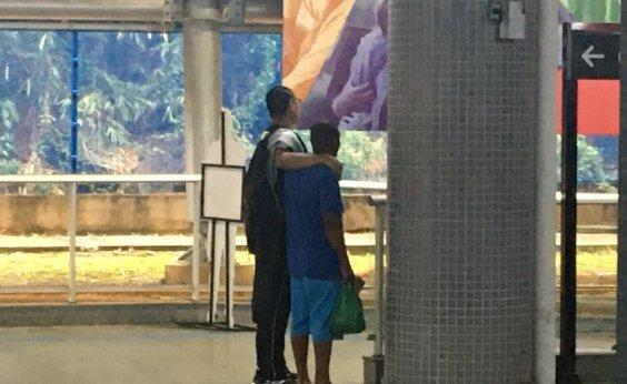 [Homem é feito de refém na Estação Metrô Acesso Norte em Salvador]
