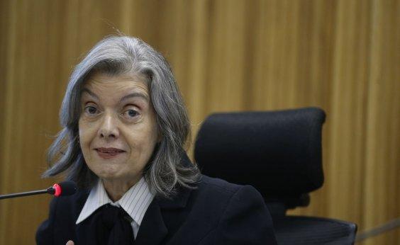 [Cármen Lúcia anula decisão que permitia aplicação da 'cura gay']