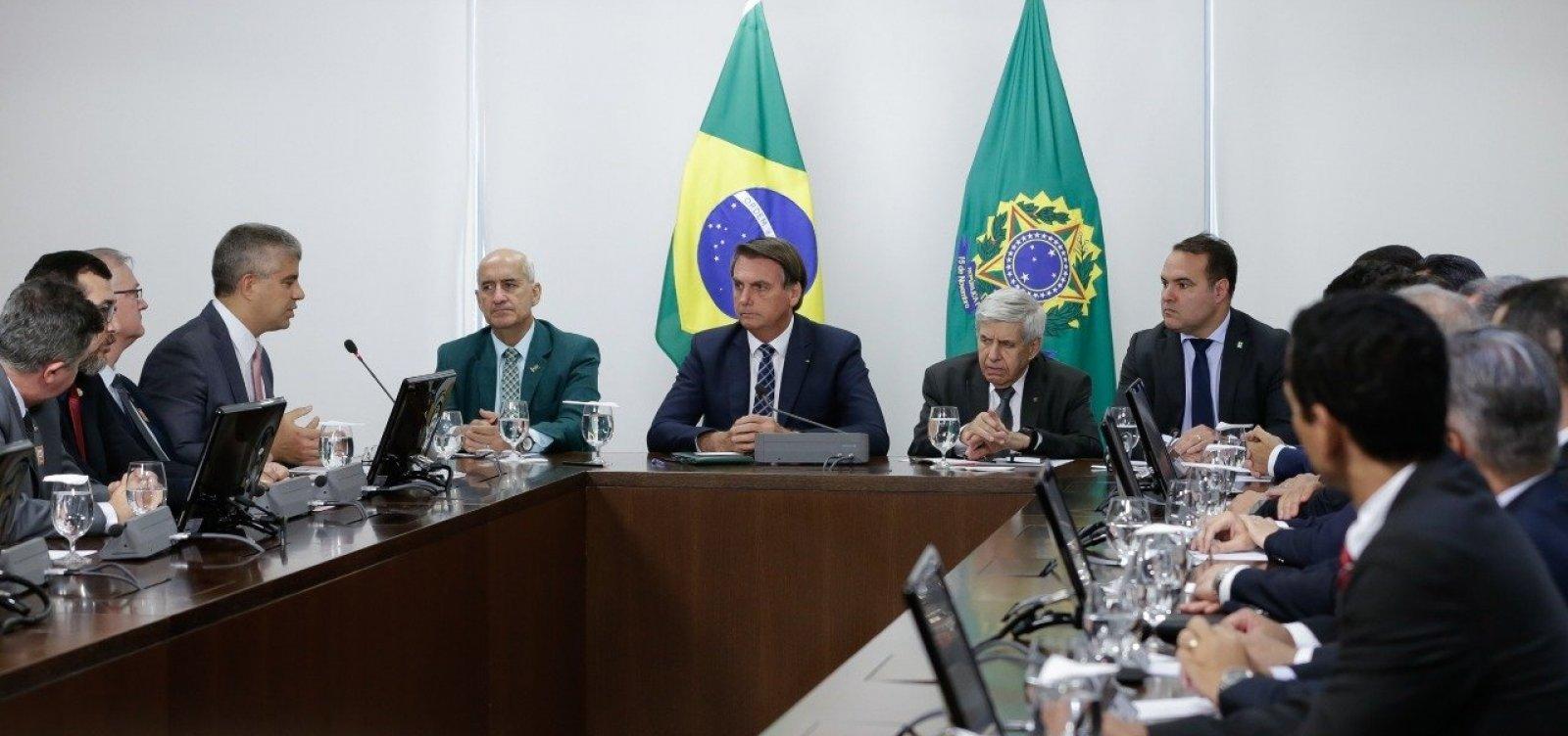 [Secretário cobra de Bolsonaro rapidez em repasse de recursos de loterias para os Estados ]